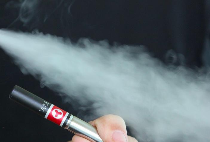 Setop Masalah Kesehatan Akibat Merokok, Produk Tembakau Alternatif jadi Strategi Pelengkap - JPNN.com