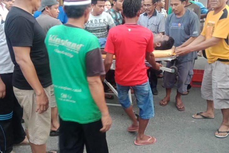 Dua Warga Tak Bernyawa Ditemukan Tersangkut di Pintu Air - JPNN.com