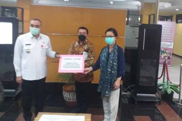 RS Siloam dan Link Net Sumbangkan 1.000 Rapid Test Kit Kepada Pemkab Tangerang - JPNN.com
