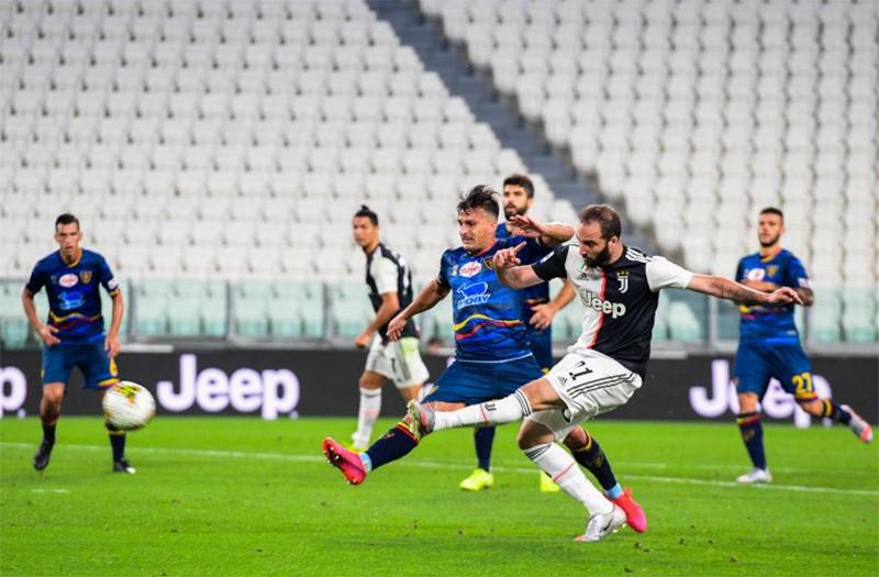Juventus Berpesta di Atas Derita 10 Pemain Lecce - JPNN.com