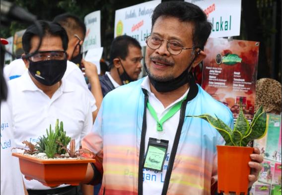 Mentan Dorong Perusahaan Eka Karya Flora Buka Akses Pasar Anggrek Secara Luas - JPNN.com