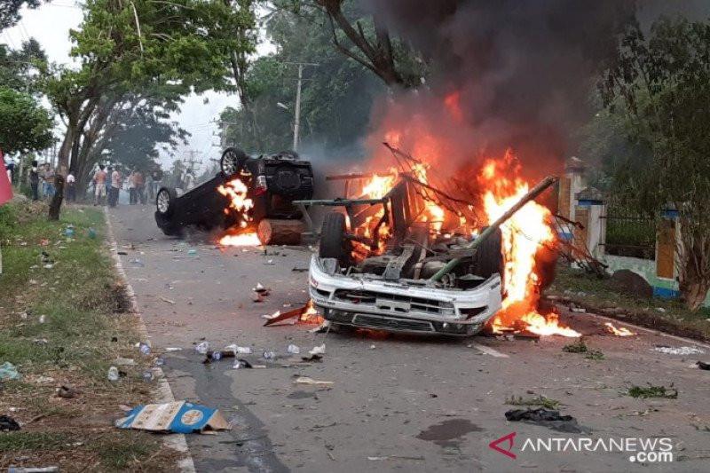 Polisi Tetapkan 19 Orang Tersangka Kerusuhan di Madina, Dua Masih Anak Sekolah - JPNN.com