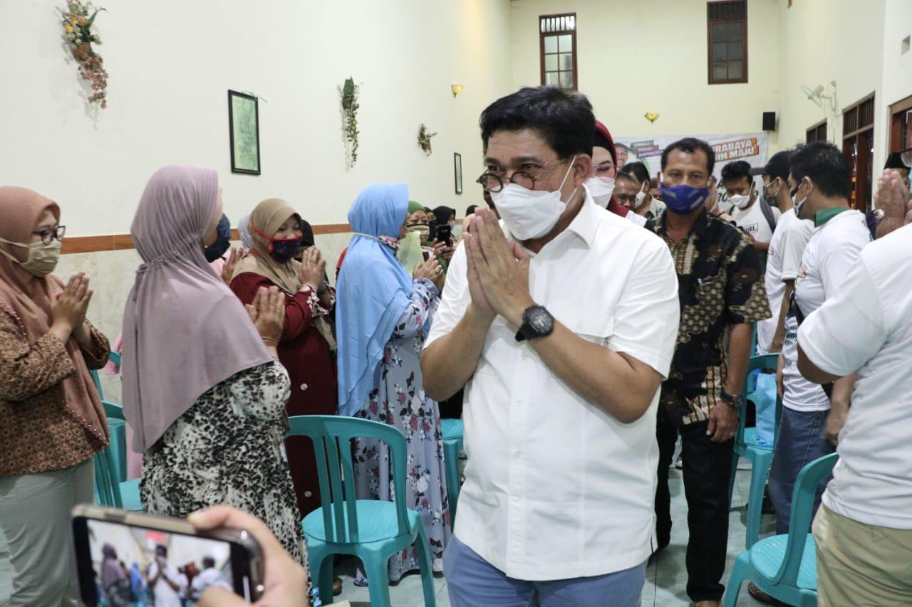 Sapa Warga Tembok Dukuh, Cak Machfud Disambut Selawat - JPNN.com