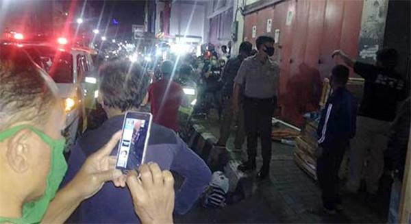 Pria Asal Padang Mendadak Meninggal Dunia Saat Hendak Mengangkat Karung - JPNN.com