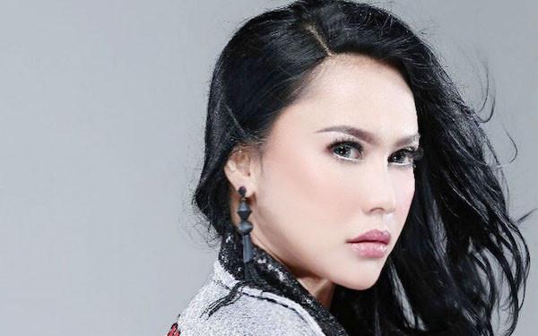 Winda Saskia Tak Sanggup Selesaikan Rekaman Lagu Ayah - JPNN.com