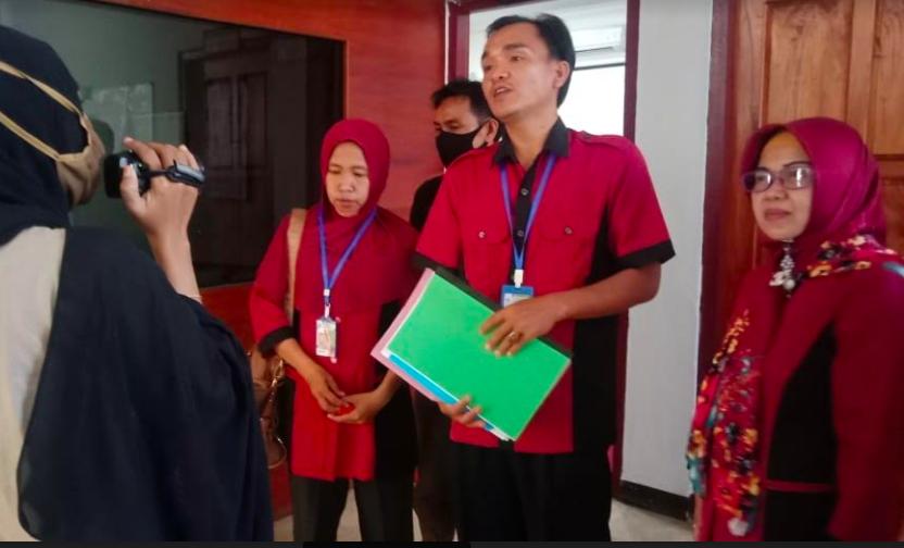 Ada Oknum Janjikan Honorer Diangkat PNS, Klaim Punya Koneksi di DPR - JPNN.com