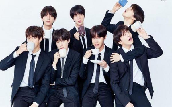 Lima Anggota BTS Kini Sibuk Kuliah - JPNN.com