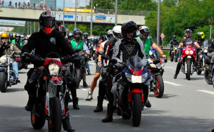 Protes Larangan Suara Knalpot Bising, Ribuan Bikers Turun ke Jalan - JPNN.com