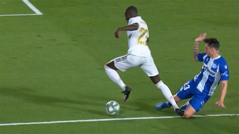 Ini Soal Gol Penalti Real Madrid ke Gawang Alaves - JPNN.com