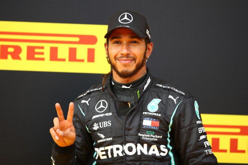 Menang di Grand Prix Styria, Lewis Hamilton Makin Dekati Rekor Michael Schumacher - JPNN.com