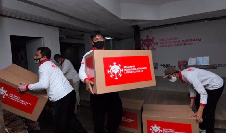 Bantu Tim Medis, Sandiaga Kirim 5.650 APD untuk RS Primaya Bekasi - JPNN.com