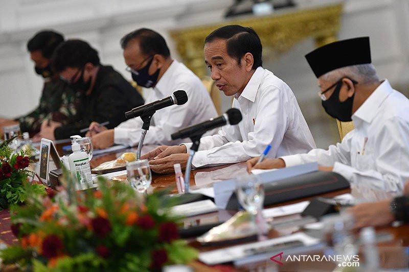 Jokowi: Segera Bergerak di Lapangan, Tidak Usah Memberikan Laporan - JPNN.com