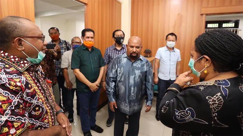Setelah 3 Bulan, Lukas Enembe pun Berterima Kasih Kepada Jokowi dan Terawan - JPNN.com