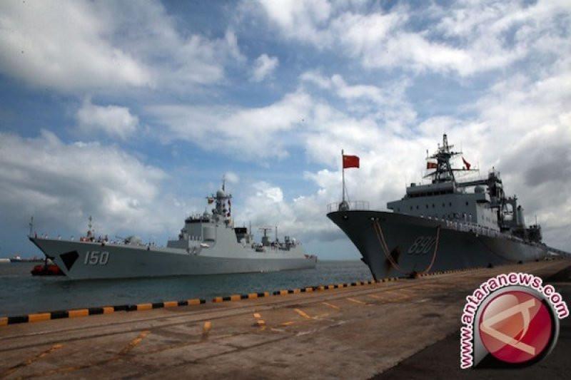 Amerika Berulah, Tiongkok Kirim Kapal Perusak Termutakhir ke Selat Taiwan - JPNN.com