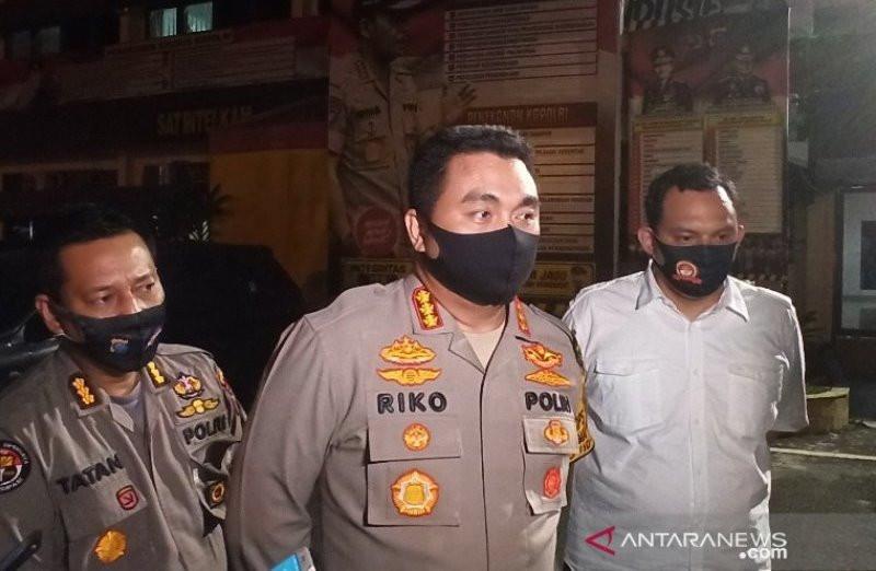 Pria Kaya Transfer Rp 20 Juta ke Rekening Hana Hanifah, Baru Uang Muka? - JPNN.com