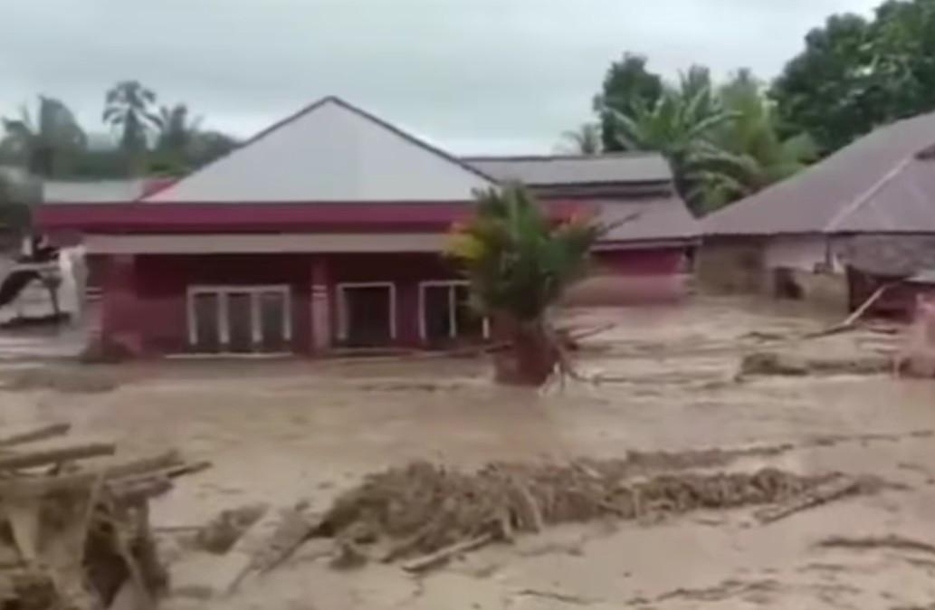 Mohon Perhatian, Sulsel Berduka Kota Masamba Luluh Lantak - JPNN.com
