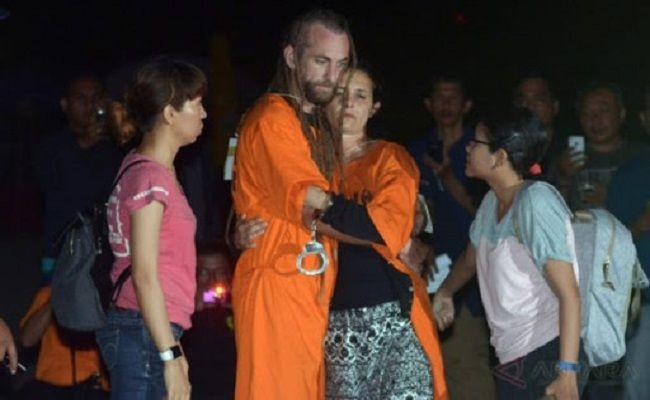 Bule Pembunuh Polisi Akan Dibebaskan - JPNN.com