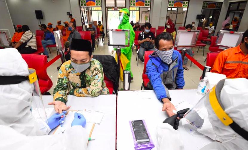 Petugas Hewan Kurban Ikut Rapid Test RIB Lawan COVID-19 - JPNN.com