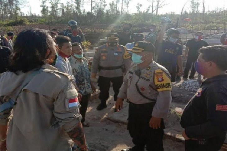 Kacau! Petugas Pemakaman Jenazah COVID-19 Dianiaya - JPNN.com