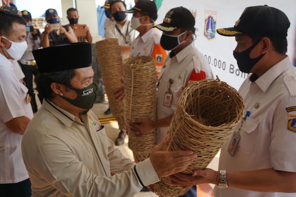 Jelang Iduladha, Baznas Bazis DKI Borong 150 Ribu Bongsang Milik Perajin - JPNN.com