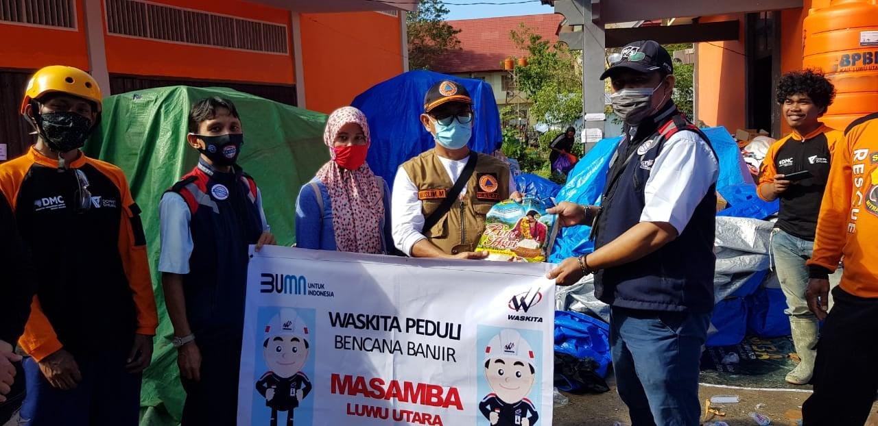 Waskita Salurkan Bantuan untuk Korban Banjir Bandang Luwu Utara - JPNN.com