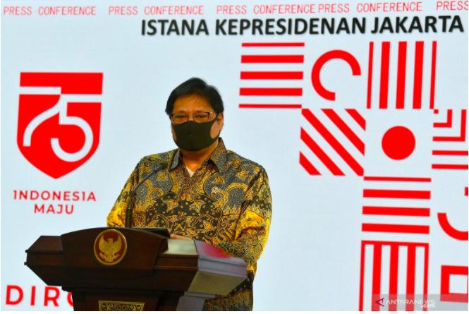 Kabar Gembira dari Menko Airlangga soal Duit untuk Karyawan Bergaji Rp 5 Juta ke Bawah - JPNN.com