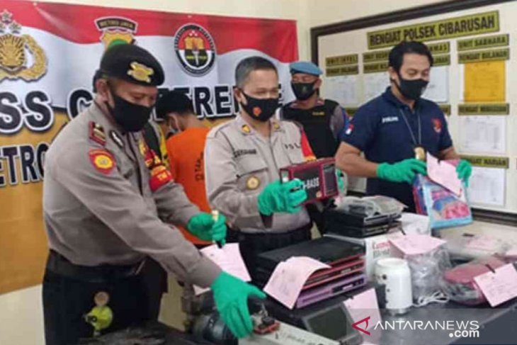 Warga Pergoki Pengepul Rongsok Memasukkan Sesuatu ke Dalam Karung, Bukan Sampah - JPNN.com