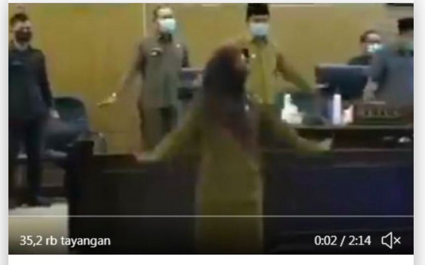 Viral Video, Sejumlah Pejabat Joget Penguin ala TikTok Sebelum Mulai Rapat Bahas APBD - JPNN.com