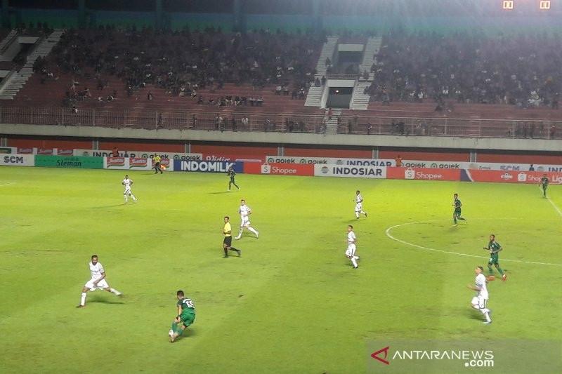 IPW Minta Sultan Hamengkubuwono X dan Masyarakat Yogyakarta Tegas Menolak Ajang Liga 1 - JPNN.com