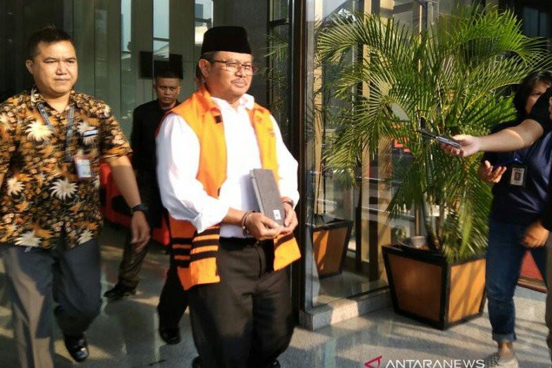 Mantan Bupati Indramayu Supendi Dijebloskan ke Lapas Sukamiskin, Omarsyah Ikut Mendampingi - JPNN.com
