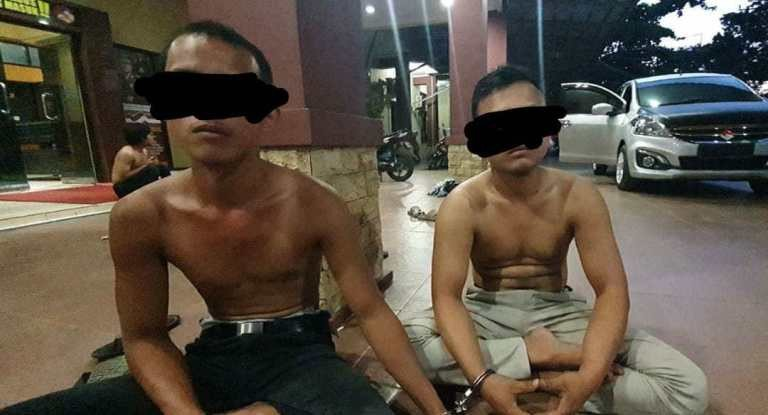 Dua Pemuda Pakai Seragam Polri, Video Call dengan Wanita Tanpa Busana, Oh Ternyata - JPNN.com