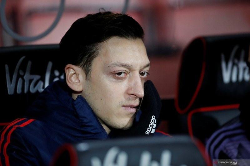 Mesut Ozil Tak Lagi Peduli Dengan Arsenal? - JPNN.com