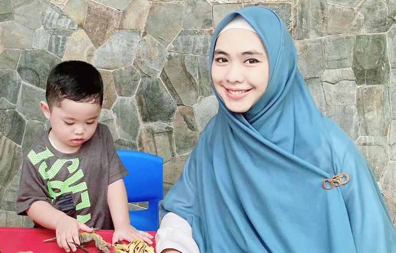 Kiat Oki Setiana Dewi Atasi Pegal Kaki pada Anak - JPNN.com