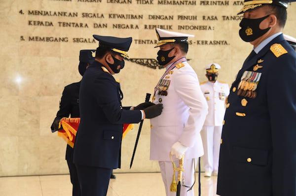Selamat! KSAL Dianugerahi Tanda Kehormatan Bintang Angkatan Kelas Utama - JPNN.com
