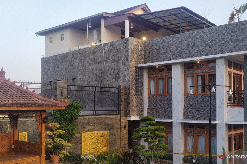Ini Rumah Pengelola Investasi Bodong di Cianjur, Mewah - JPNN.com