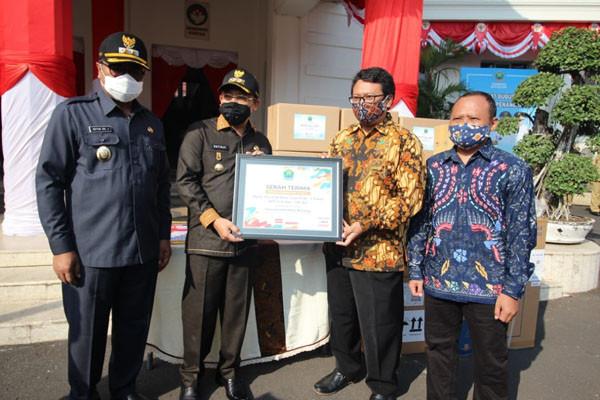Sampoerna Donasikan Mesin PCR dan APD kepada Pemda Malang dan Pasuruan - JPNN.com