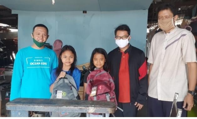 Bimbel Ocean Mendatangi Rumah Anak-anak Yatim - JPNN.com