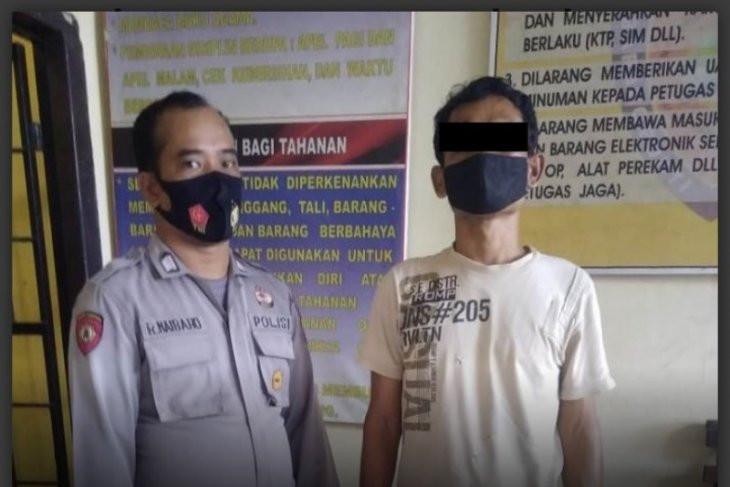 Tepergok Mencuri Sarang Burung Walet, Nop Diamuk Massa Jadi Kayak Begini - JPNN.com
