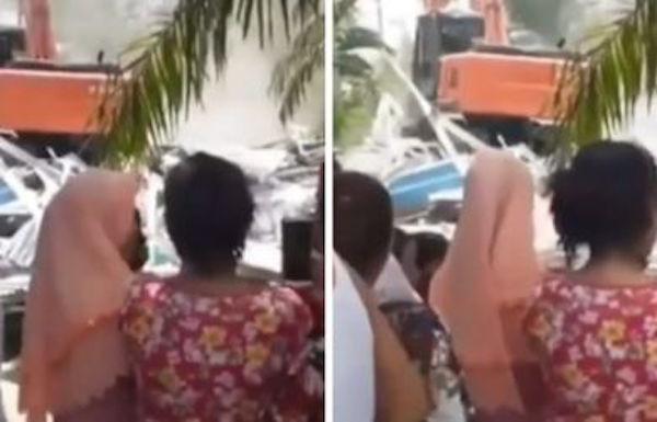 Video Viral, Istri Tua Hancurkan Rumah Bini Muda dengan Eskavator, Sampai Rata dengan Tanah - JPNN.com