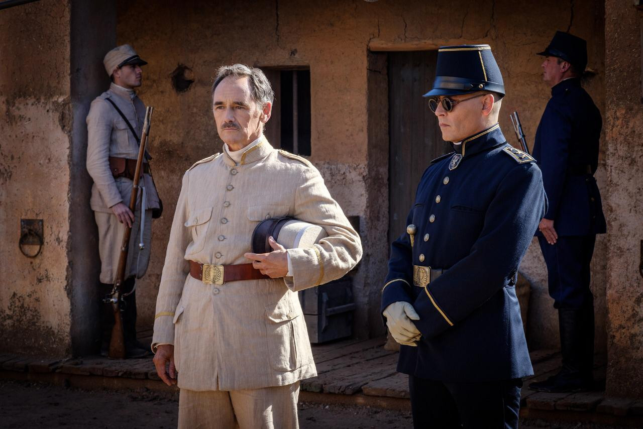 Begini Sinopsis Film 'Waiting for the Barbarians' yang Heboh di Dunia Maya - JPNN.com