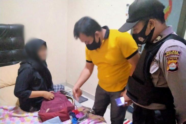 3 Pasangan Mesum Lagi Enak di Dalam Kamar Penginapan, Eh Tiba-tiba... - JPNN.com