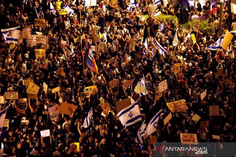Pemerintah Gagal Tangani COVID-19, Ribuan Warga Israel Satroni Rumah Penguasa - JPNN.com