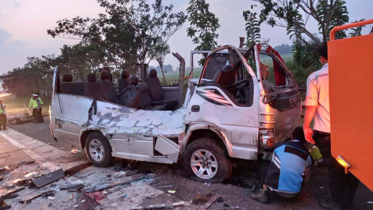 Innalillahi, Ini Identitas Para Korban Kecelakaan Maut di Tol Cipali - JPNN.com