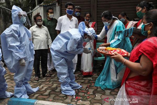 Berita Duka, 10 Orang Meninggal Dunia Akibat Kebakaran Besar di Pusat Perawatan COVID-19 - JPNN.com