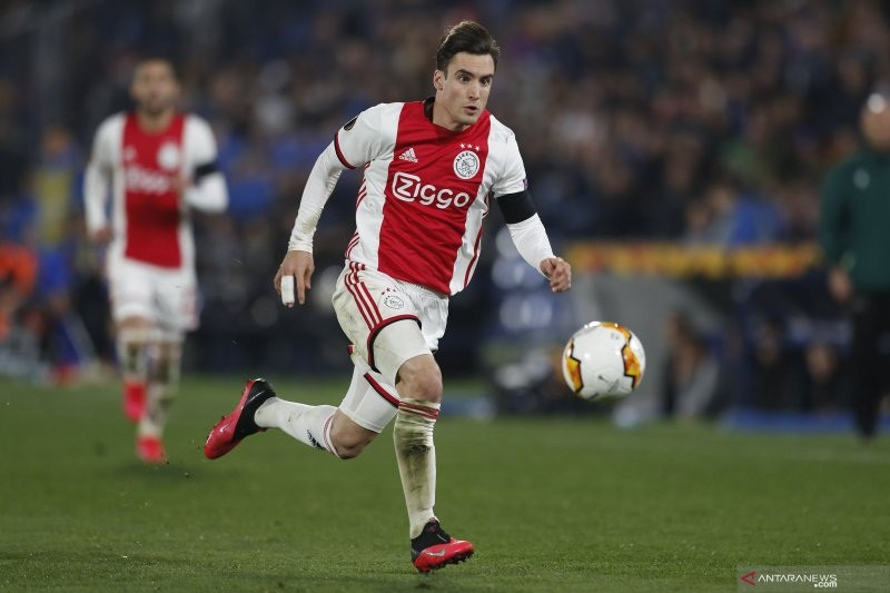 Gagal Rekrut Pemain Leicester, Chelsea Incar Bek Ajax Asal Argentina - JPNN.com