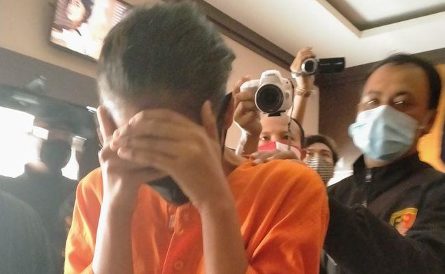 Ayu Pratiwi Tertangkap Basah Berbuat Dosa: Malu Saya, Bapak - JPNN.com