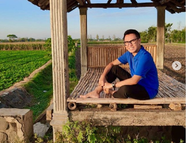 Eko Patrio Bagi-Bagi WiFi Gratis ke Sekolah - JPNN.com