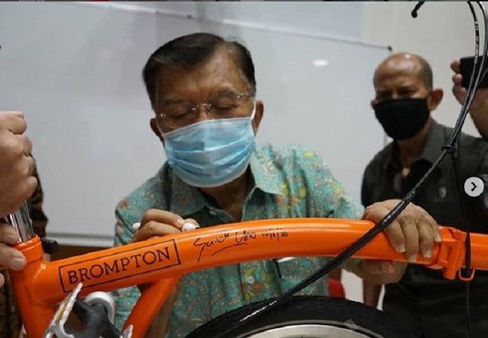 Istri Sandiaga Uno Beli Sepeda Brompton Milik Jusuf Kalla, Harganya Fantastis - JPNN.com