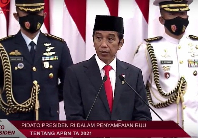 Sodorkan Asumsi Makro RAPBN, Jokowi Sebut Ekonomi Akan Tumbuh 4,5-5,5 Persen - JPNN.com
