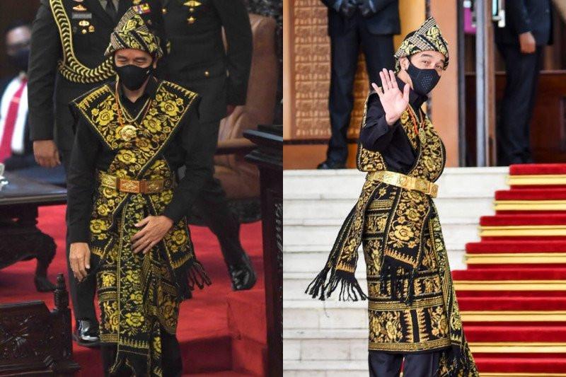 Jokowi Terlihat Berkarisma dan Gagah Memakai Baju Adat Sabu NTT - JPNN.com